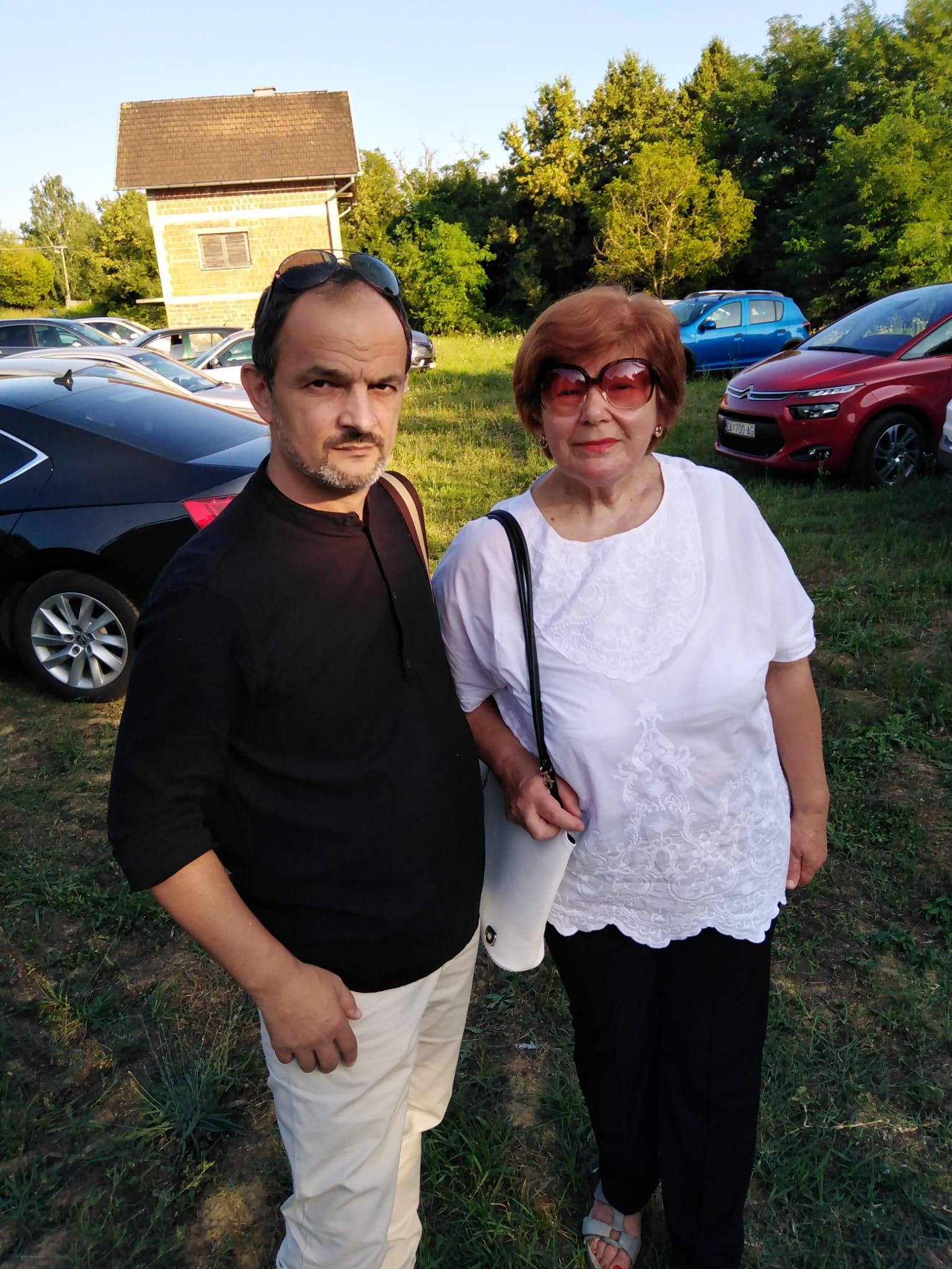 Posinak Vitomir i dr. Andjelka Gajsak
