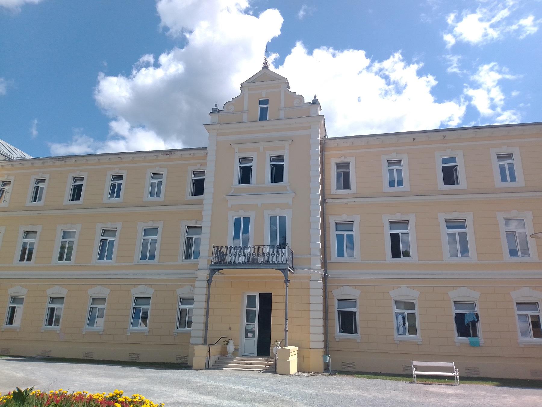 Glavna_zgrada_Toplica_Lipik_-_specijalne_bolnice