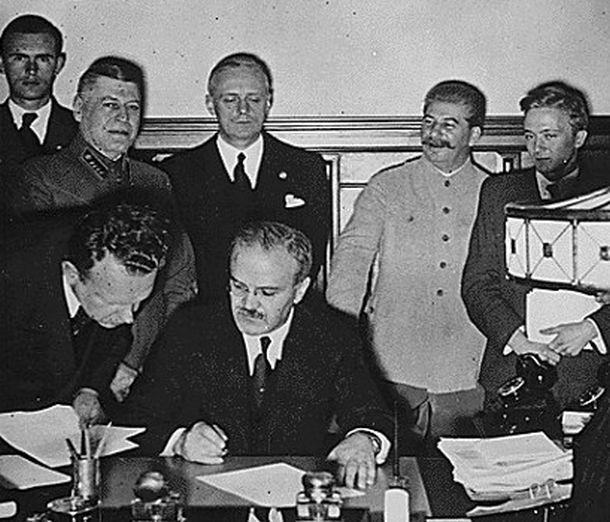 MolotovRibbentrop pact signing